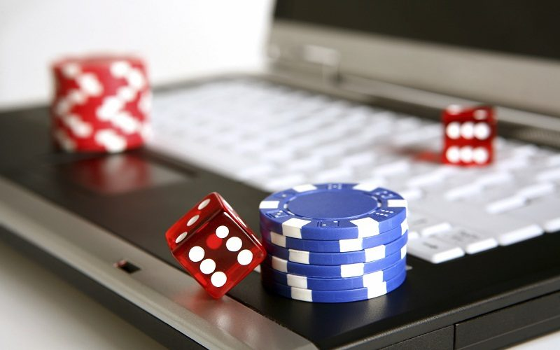 The advantages of Gambling Online – Get The Roulette Game On